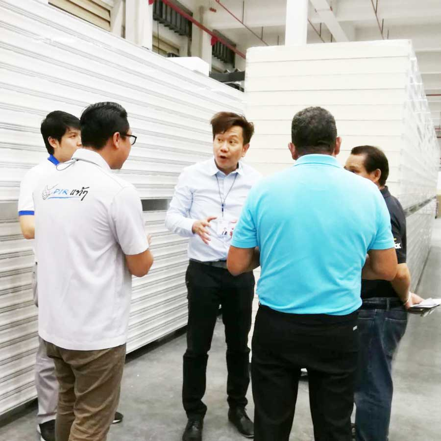 columbia visits factory of wall tech 8